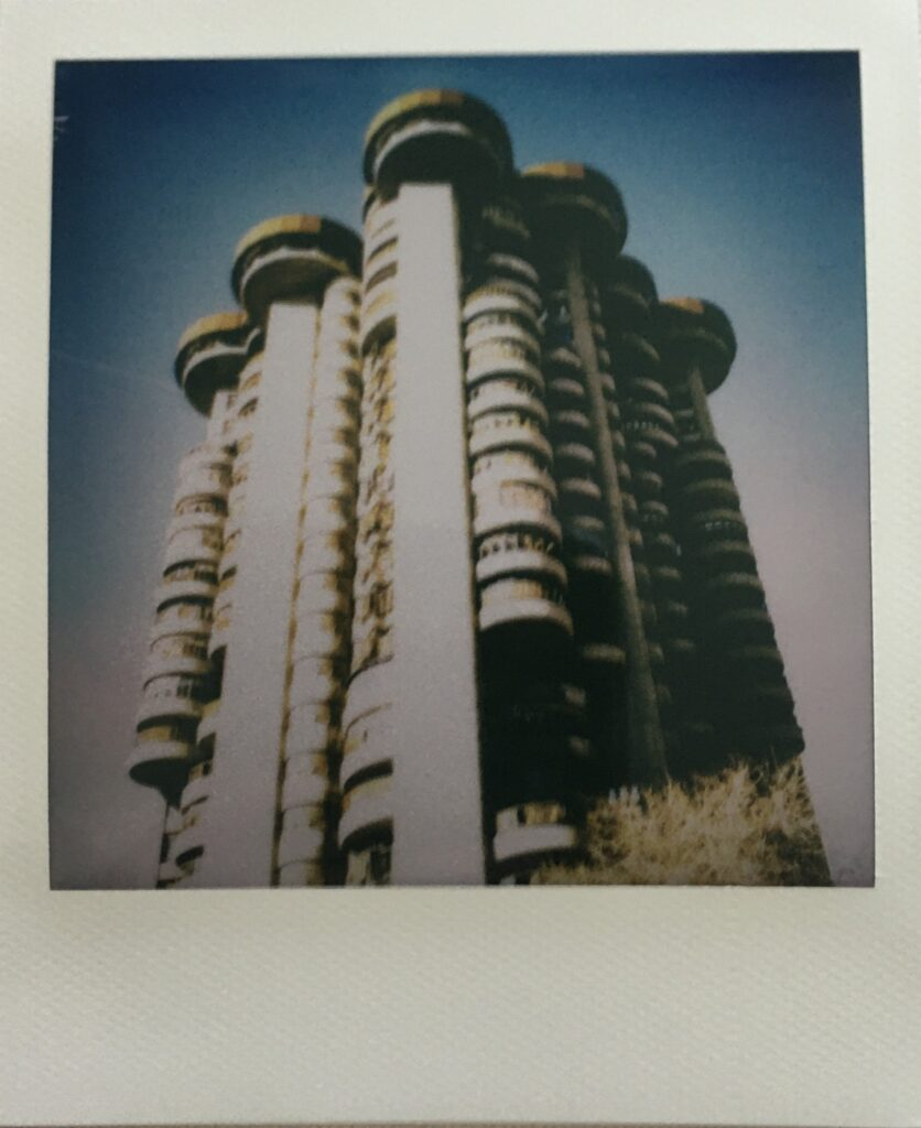 fotografia analogica polaroid torres blancas